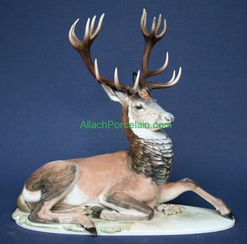 Liegender Hirsch / Lying Stag Painted